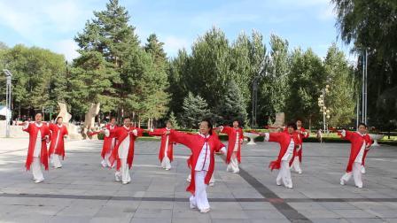 如意混元太极扇 表演:黑龙江红兴隆红枫太极健身队