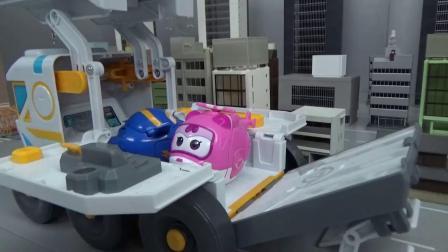 帮助超级飞侠们上天文汽车的玩具故事