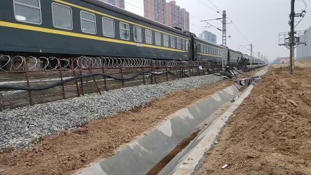 20200301 133956 阳安线K768次列车出汉中站