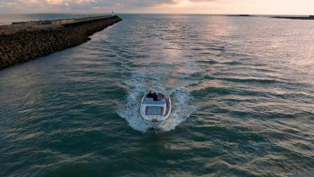 博纳多动力艇 - 飞扬9阳光甲板型(Flyer 9 Sundeck)