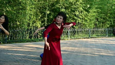紫竹院杜老师舞蹈队《月光下的美人》杜老师 孙老师 睿睿822-2345