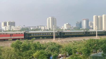 【火车视频】皖赣线K594(杭州—乌鲁木齐)通过芜湖站附近
