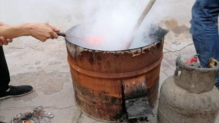诸城中医传统黑膏药炼油下丹实录