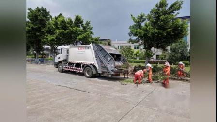 台风过后,易山垃圾车全力以赴收集道路垃圾-垃圾车出租