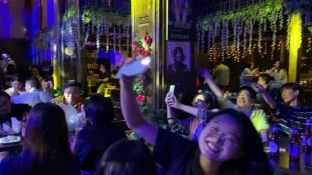 同事酒吧唱歌7
