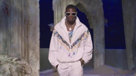 Versace 2021春夏时装秀
