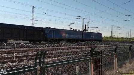 HXD11693牵引集装箱(中国铁路)大列通过古营盘站