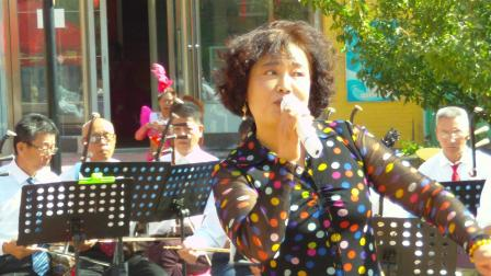 安丽娟演唱的《大姑娘美》
