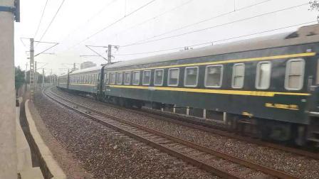 【火车视频集锦】雨中观车记