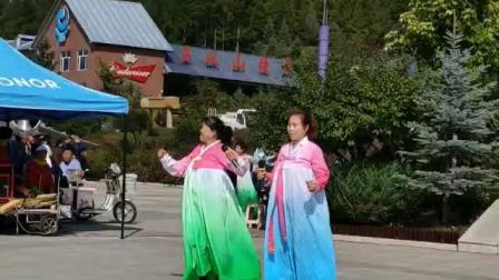 新惠社区志愿者舞蹈队女生二重唱天生一对