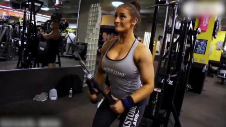 美女核心力量训练,身材非常棒!