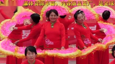 东望志愿者红歌红舞演出