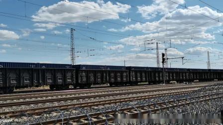 HXD21131牵引集装箱(中国铁路)大列通过古营盘站