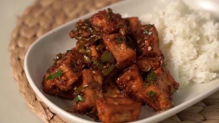 一块豆腐煎炒加料配饭吃无敌香~宅家必备的神奇做法