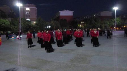 北镇方圆广场秧歌舞蹈队《成立晚会》舞蹈-泉水叮咚响,制作-东明2020.10.18