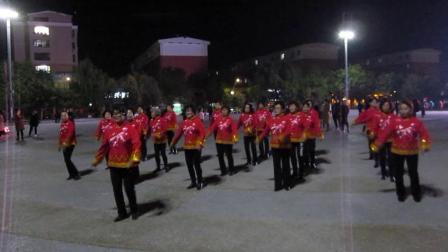 北镇方圆广场秧歌舞蹈队《成立晚会》舞蹈-社员都是向阳花,制作-东明2020.10.18