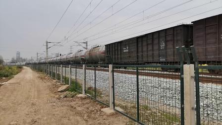 20200321 152335 阳安线HXD2货列出汉中站