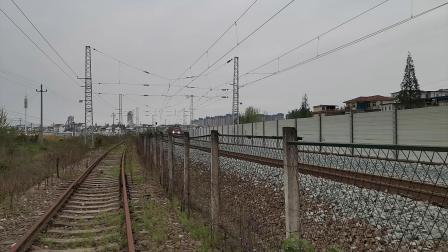 20200328 131329 阳安线客车8362次列车进汉中站
