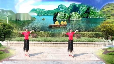 美玲玉广场舞《家在御江南》》编舞:雨夜老师