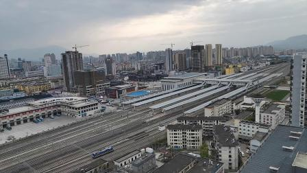 20200401 170307 西成高铁D6870次列车汉中站待避G90次列车