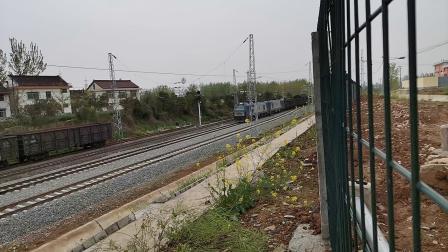 20200404 135019 阳安线HXD2货列通过王家坎站
