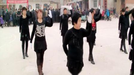 2013-2014年邙岭镇省庄村舞蹈队演出实况1