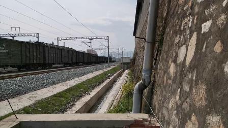 20200407 144307 阳安线HXD2货列出汉中站
