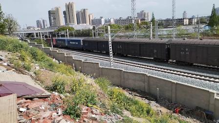 20200407 145332 阳安线HXD2货列出汉中站