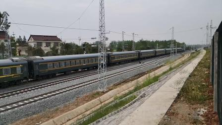 20200416 105814 阳安线客车K291次列车通过王家坎站