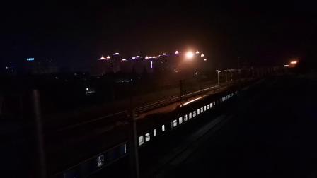 20200416 214946 阳安线客车K351次列车出汉中站