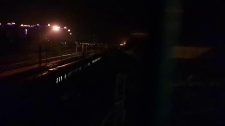 20200416 221134 阳安线客车Z390次列车进汉中站