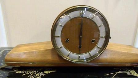 座钟响了德国客厅座钟报时钟声悠扬动听