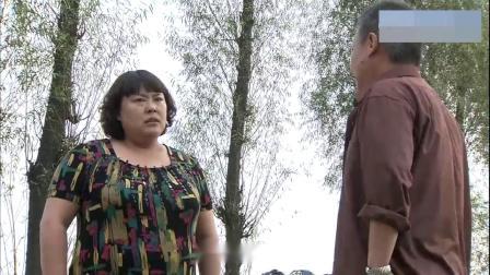 胖媳妇推倒丈夫,一屁股坐他背上,丈夫:喘不上气