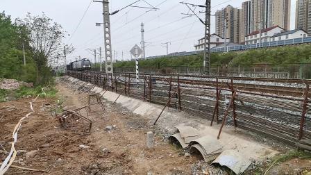 20200419 173009 阳安线HXD2货列进汉中站