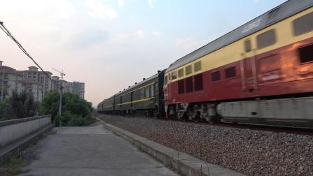 K155次 DF4D0393 通过宁芜线K76KM采石河路公铁立交