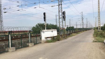 武局襄段HXD3C牵引客车K261次快速通过襄阳北站去襄阳站方向