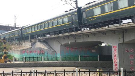 武局襄段HXD3C牵引客车K261次通过直通线去襄阳北站方向