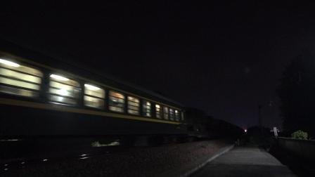 先进动力牵引先进设备 HXN50287 通过宁芜线K76KM采石河路公铁立交