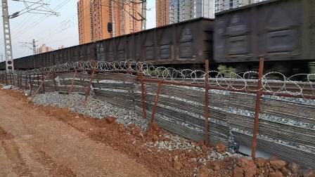 20200424 190858 阳安线HXD2货列通过汉中站