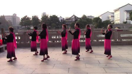 《陪你一起看草原》苏州大玉儿舞蹈队