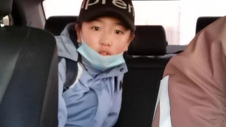 孟小筱:上学路上20201203