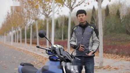 """【摩托车杂志】车评:36999元同级别更轻巧的QJMOTOR 闪500,""""闪""""你一下?"""