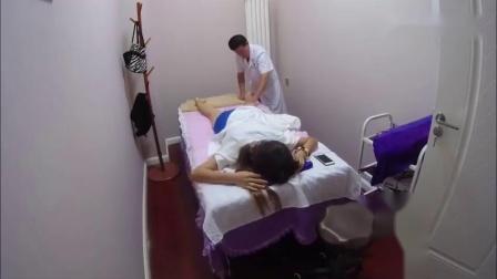 三明女子异性会所-谈蓝玖瑰spa侌所-好看男技师为女士客人做推拿按摩