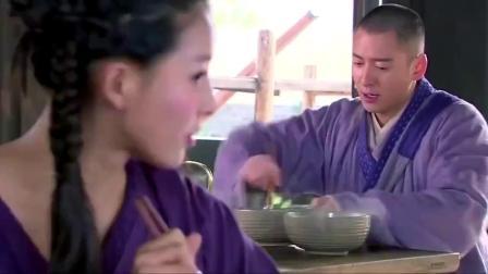 和尚来饭馆吃素面,被美女捉弄,结果素面被换成肉面!