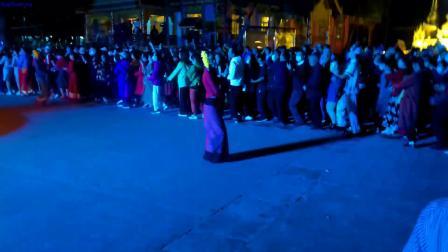 飞歌旅游  西双版纳篝火舞会20201201