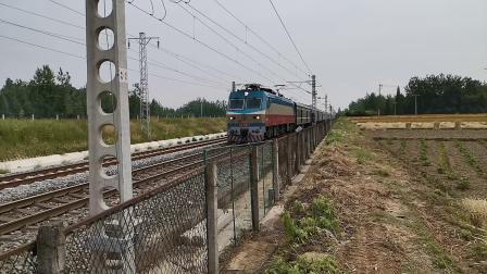 20200514 105955 阳安线客车K291次列车通过王家坎站