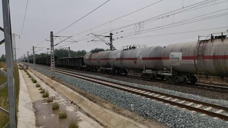 20200514 111033 阳安线HXD2货列通过王家坎站