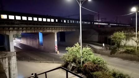 20200515 213418 【延时摄影】实拍阳安线客车K351次列车进汉中站