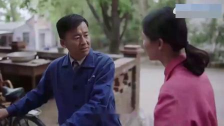 老师傅受伤干不了活,临时工上手,高超手艺征服老外
