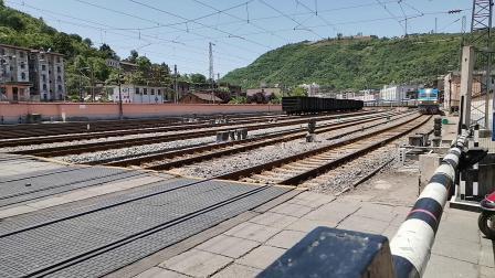 20200516 133938 宝成线客车K545次列车进略阳站